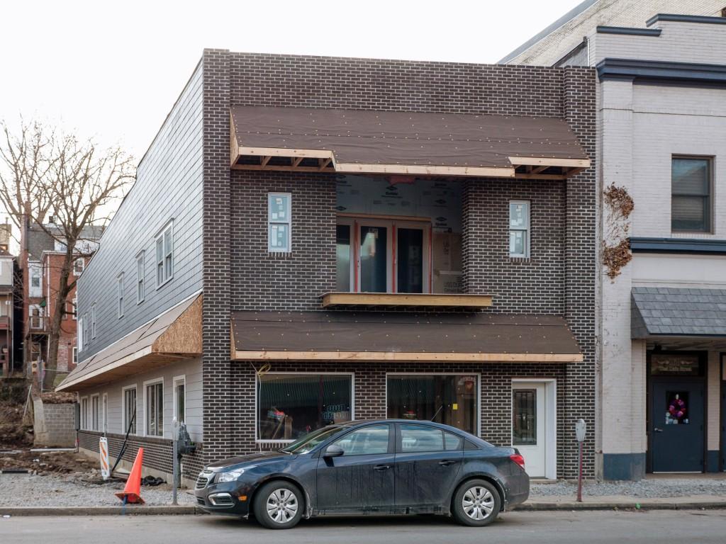 Photo of building at 162 West Main Street, Monongahela, Pa. 15063 along rt 88 and rt 136. Photo property of the Monongahela Main Street Program.